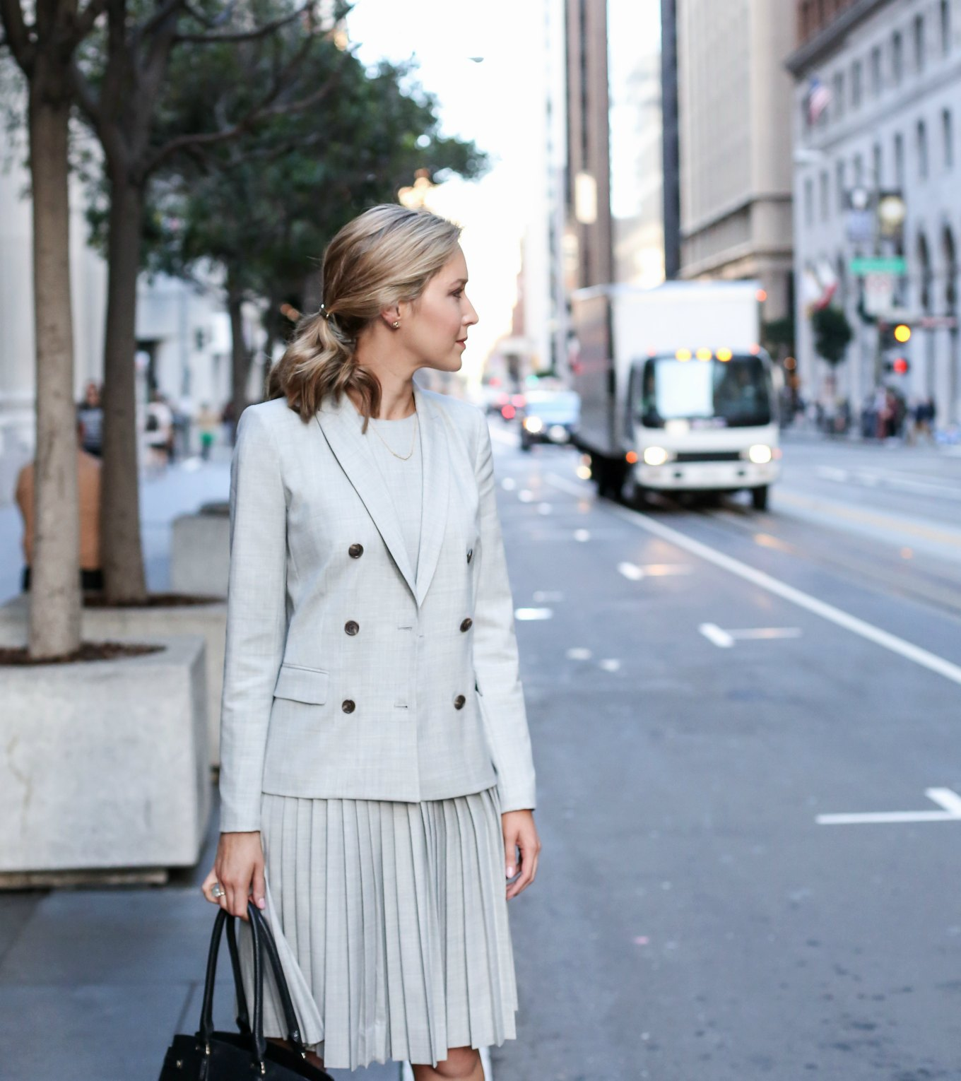 what-to-wear-to-an-interview-business-formal-suit-best-starter-work-wardrobe-essentials-jcrew-9am-super-120s-wool-dress-skirt-pants-jacket-grey-san-francisco-sf-fashion-blog-memor.jpg